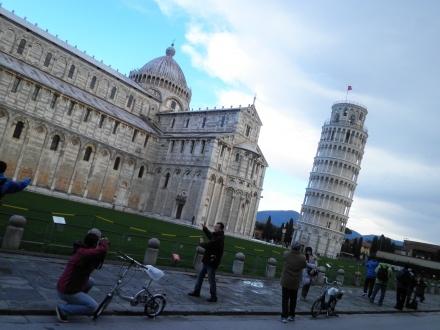 ゆっこちゃんさんの投稿作品:Pisaの斜塔