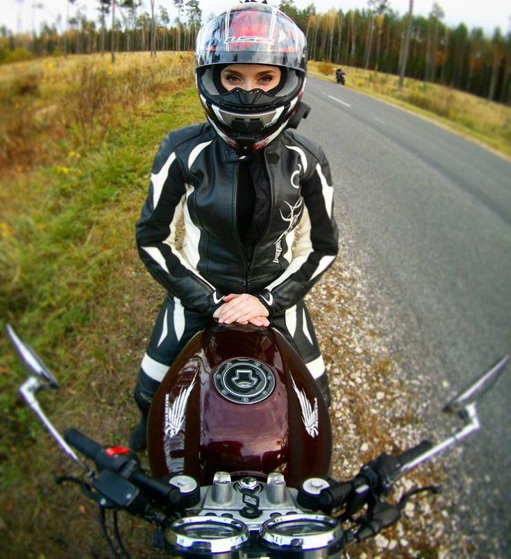 Когда я еду на мотоцикле, я чувствую себя свободной. Так появляется мототоксикоз. #motogirl #motolady #honda #cb400sf #motorcycle #motorcycles #girl #мотоциклистка #мотодевушка #ls2helmets #forest #way #helmet #helmets #instamotor #instabike #instamotorcy