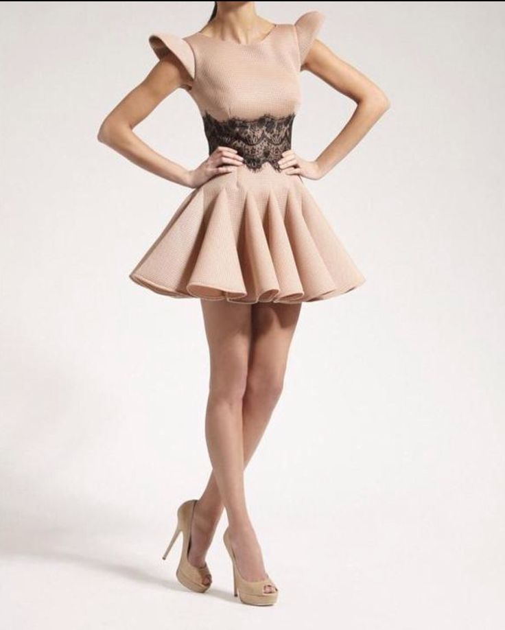 Dress with lace at waist