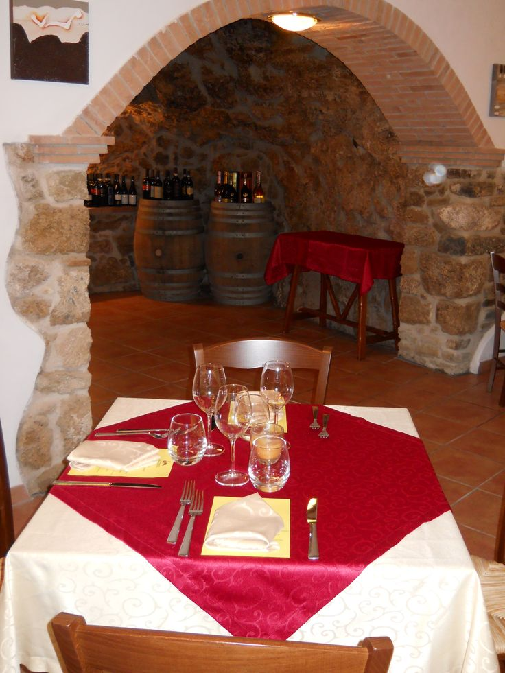 Presso il Ristorante RosaMaria, potrete gustare piatti della gastronomia lucana e mediterranea preparati direttamente dal nostro chef con i migliori ingredienti a Km0.