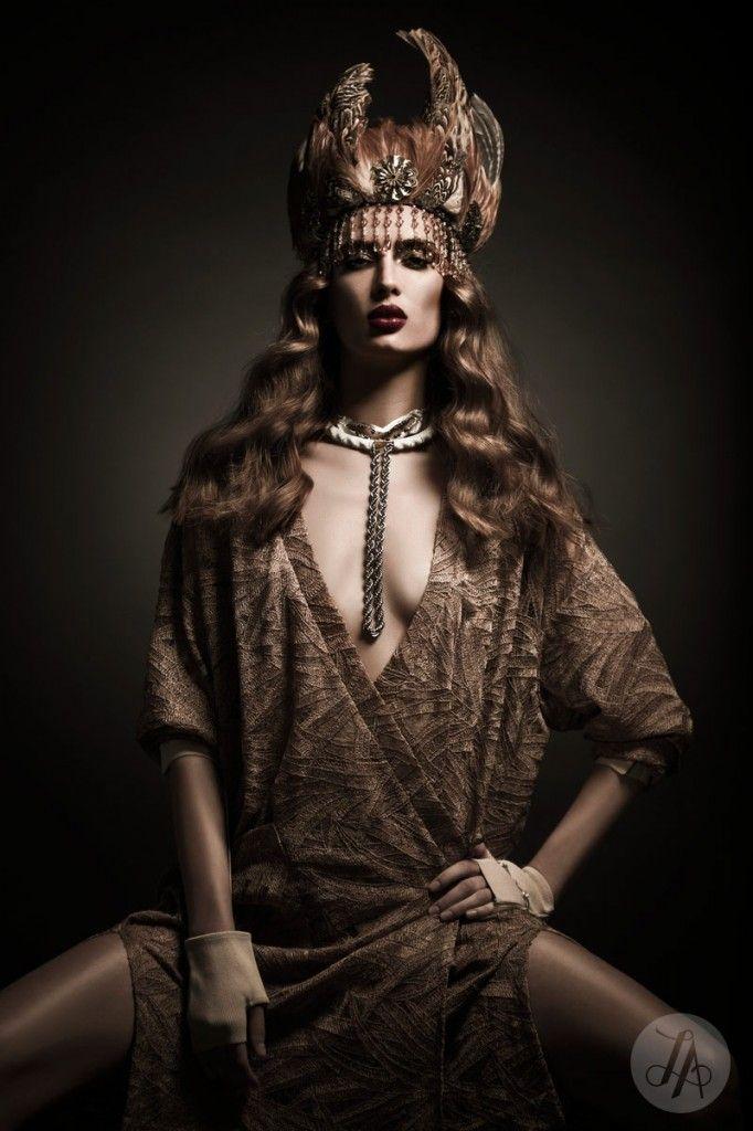 Image on Lindsay Adler Photography  http://blog.lindsayadlerphotography.com/social-gallery/hault-diana-editorial-for-dark-beauty-magazine-6