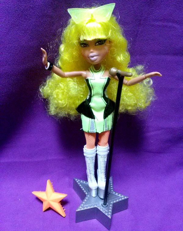 2010 BRATZ Yasmin : STYLE STARZ : Yellow hair