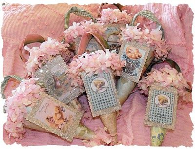 Wild Rose Cottage shared these fabulous Vintage Easter Cones using some postcard images! They are so festive and sparkly!