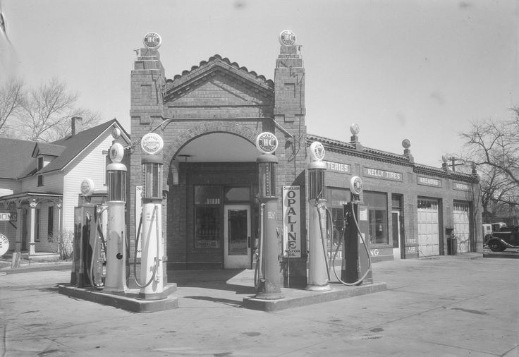 King's Cool Co. Sinclair Filling Station, Laramie, WY, 1936 Jeff P