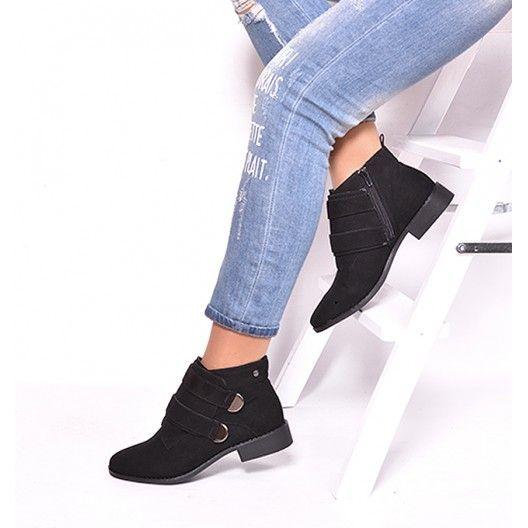 Zimná dámska členková obuv čiernej farby na nízkom podpätku - fashionday.eu