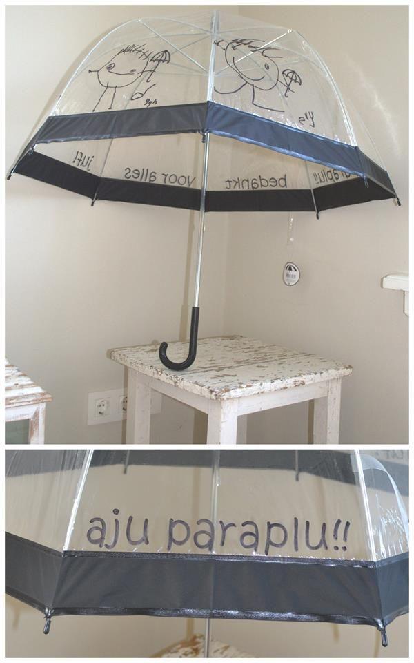 witte paraplu, met watervaste stift tekenen