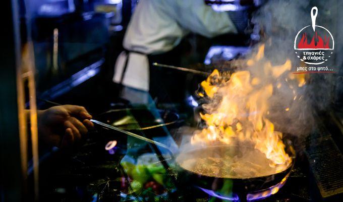 Όταν οι τηγανιές παίρνουν μπρος κάτι νόστιμο ψήνεται...  ➡️ Όλες οι γεύσεις μας έρχονται και στο σπίτι! www.tiganiesdelivery.gr και μπήκες! 😉  #ΤηγανιέςΣχάρες #μπες_στο_ψητο #αγαπαμε_το_κρεας #Ψητοπωλείο #Θεσσαλονίκη #Καυταντζόγλου #Λαδάδικα