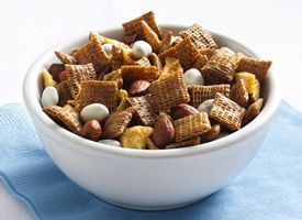 Cinnamon-Apple Chex® Mix (try sauce only w/ On Guard & cinnamon oil)Chexmix, Cinnamonappl Chex, Apples Cinnamon, Mixed Recipe, Cinnamon Apples Chex, Food, Snacks, Cinnamon Chex, Chex Mixed