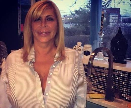 """Angela Raiola Dies; Mob Wives' """"Big Ang"""" Was 55"""