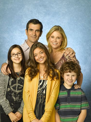 Cast of Modern Family - Modern Family Photo (8289559) - Fanpop