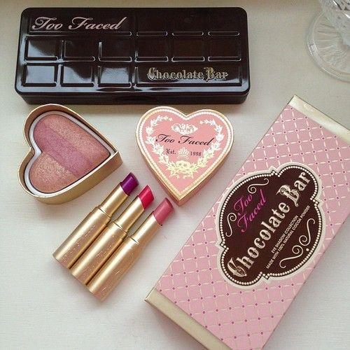 Too Faced adoro --- el chocolate , edicion limitada y se come ideal para juegos sexy ...