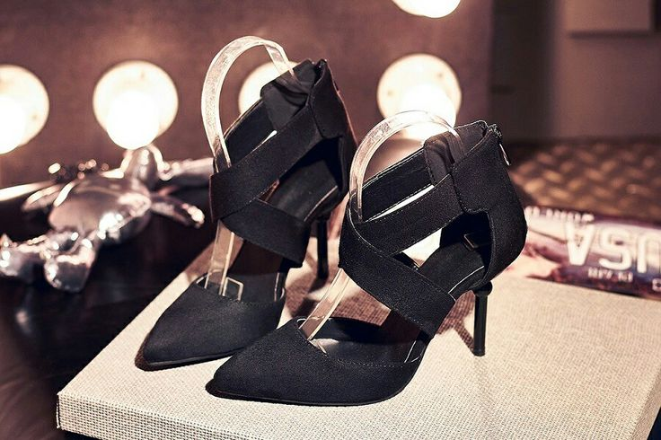 $18.5 ==> $17.5 Black Good Pair Of Straps! #pointedheels #highheels #onlineshop #oli_oddie