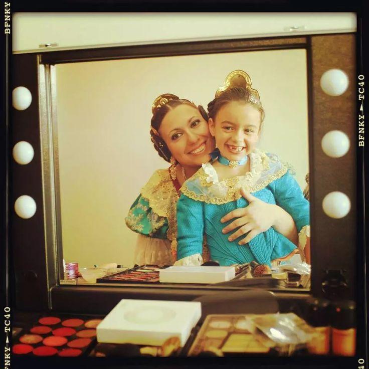 Cantoni make up case in Spain. http://www.cantonishop.it/blog/creiamo-un-mondo-pieno-di-colore-e-sorrisi/ #makeupcase #cantoniontheroad #cantonispain