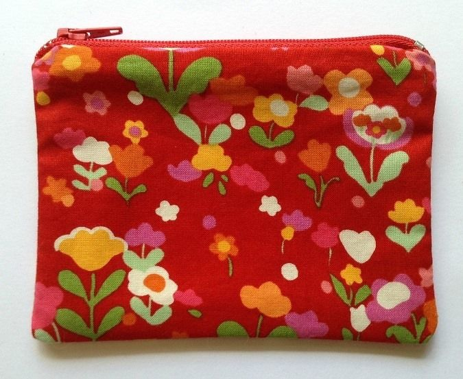 Retro Red Floral Coin Purse Under $10 Market Night opens at 9pm, on Tuesday 8th April, 2014