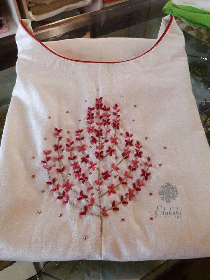 long kurtis women, designer sarees , lehenga saree @ http://ladyindia.com