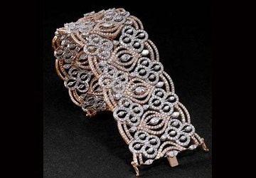 GABRIELLE'S AMAZING FANTASY CLOSET | Pink Diamond Bracelet
