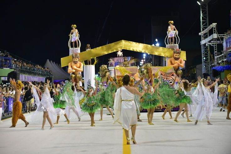 Carnaval 2016 Florianópolis : Desfile do Grupo Especial lota a Nego Quirido