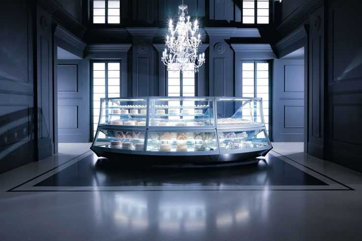 #pastry #shop #madeinitaly #interior #design #furniture #luxury #showcase #display #FBshowcases