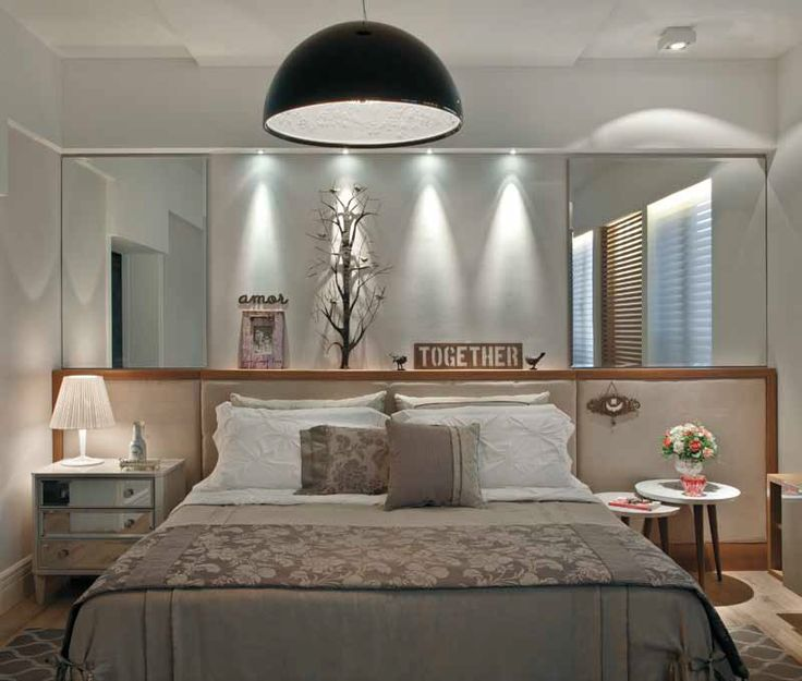 Cabeceira horizontal e espelho em cima.  / Construindo Minha Casa Clean: Cabeceiras na Horizontal ou Vertical? Escolha a Sua!