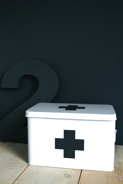 Via Ensuus | Cross Plus ✚ We could literally just paint a metal box to make a medicine supply first aid thingy. Could even include the medicines in a fun idea, like they come fully funcional.