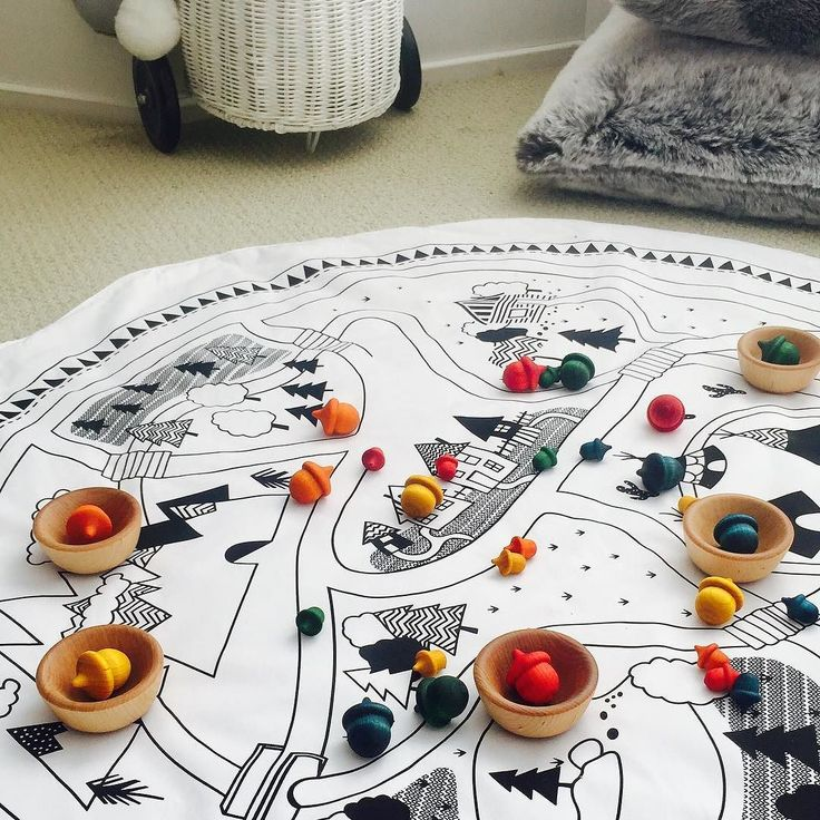 Needing a preschool activity that teaches basic math concepts such as sorting and classifying order size patterns colours and counting? What about 100% edible paints and sealers so totally safe for your child? I have the answer with these acorn sorting and bowl sets. Available now!