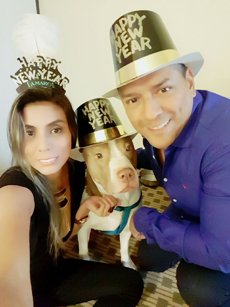 Nuestro Happy New Year 2017  Familia 👪 🐶 😍