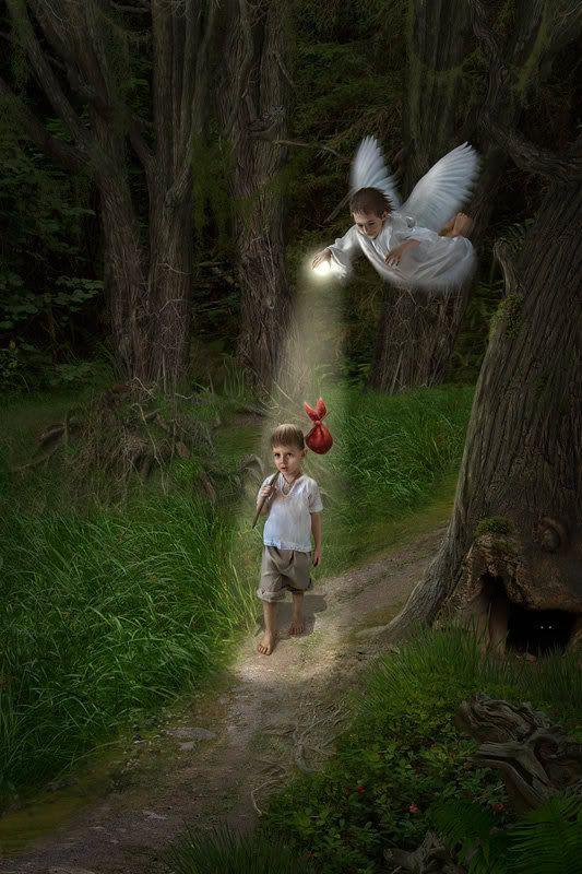 Angel de mi guarda, mi dulce compañia, no me desampares ni de noche ni de dia, que sin ti me perderia.   Gracias por estar SI-EM-PRE presente. =) ♥