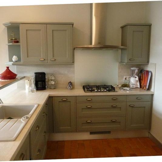 cuisine vert de gris cuisine verte vert de gris et gris. Black Bedroom Furniture Sets. Home Design Ideas