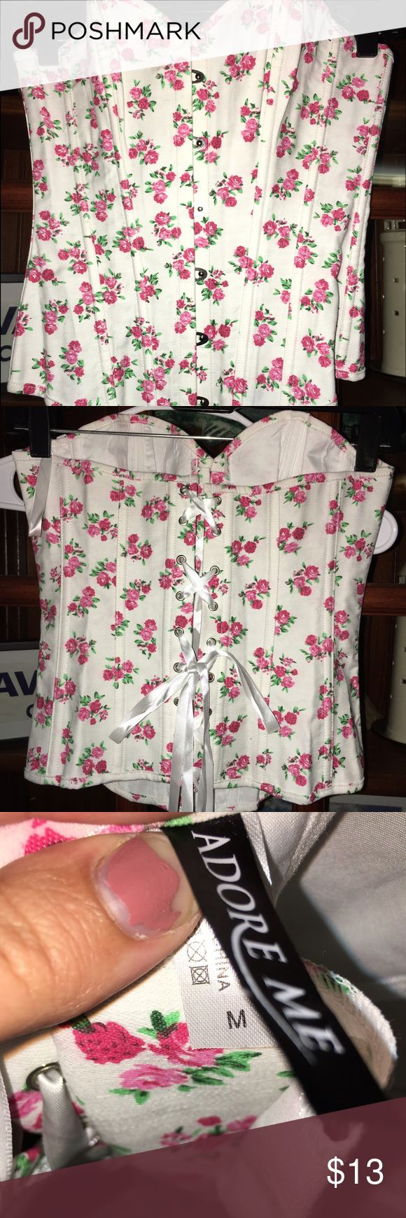 Adore me Floral bustier corset top ❤️ never worn. Not my style. Beautiful floral pattern, easy fastens in front and lace tie back for multiple sizing fits ! Adore Me Tops