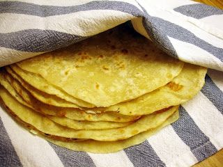 libyan food: Libyan stove top flat bread: Ftat Misrati فتات مصراتى