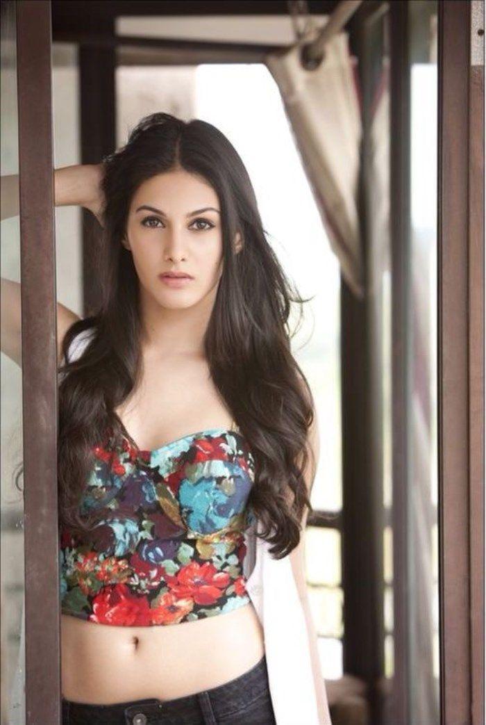 Amyra Dastur Sexy Babe's Super Hot & Spicy Portfolio Pics....
