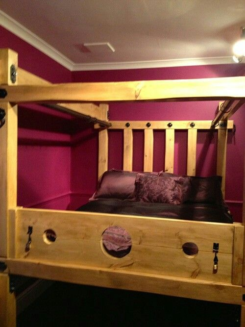 Boom Room Furniture Ideas 3 4 Beds Kinky Bedroom Dorm