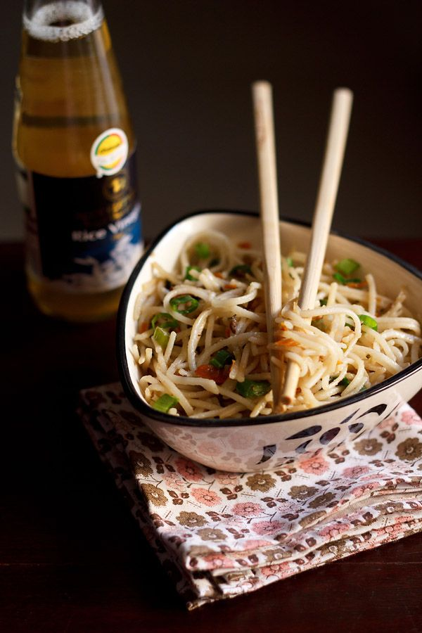 vegetable hakka noodles recipewith step by step photos - a popular indo chinese dish that one can get in most restaurants in india and in the roadside chi