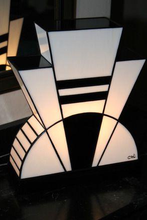 lampe art d co vitrail tiffany black and white. Black Bedroom Furniture Sets. Home Design Ideas