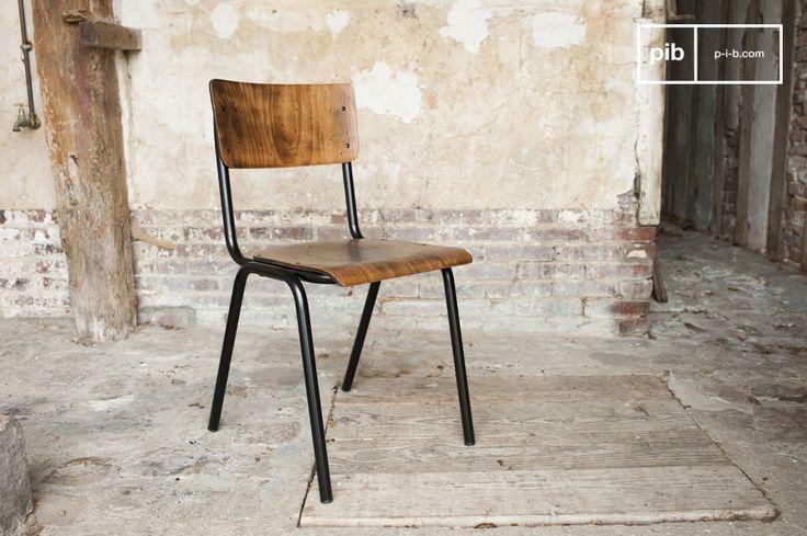 La sedia Doinel è un ottimo esempio di design vintage che richiama l'arredamento delle scuole di un tempo.