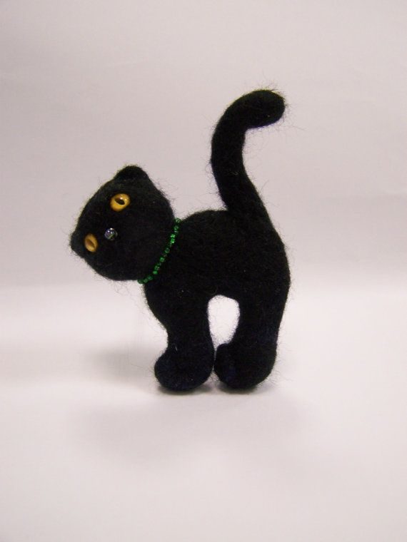 Needle felted black cat brooch by ArteAnRy on Etsy, €12.00