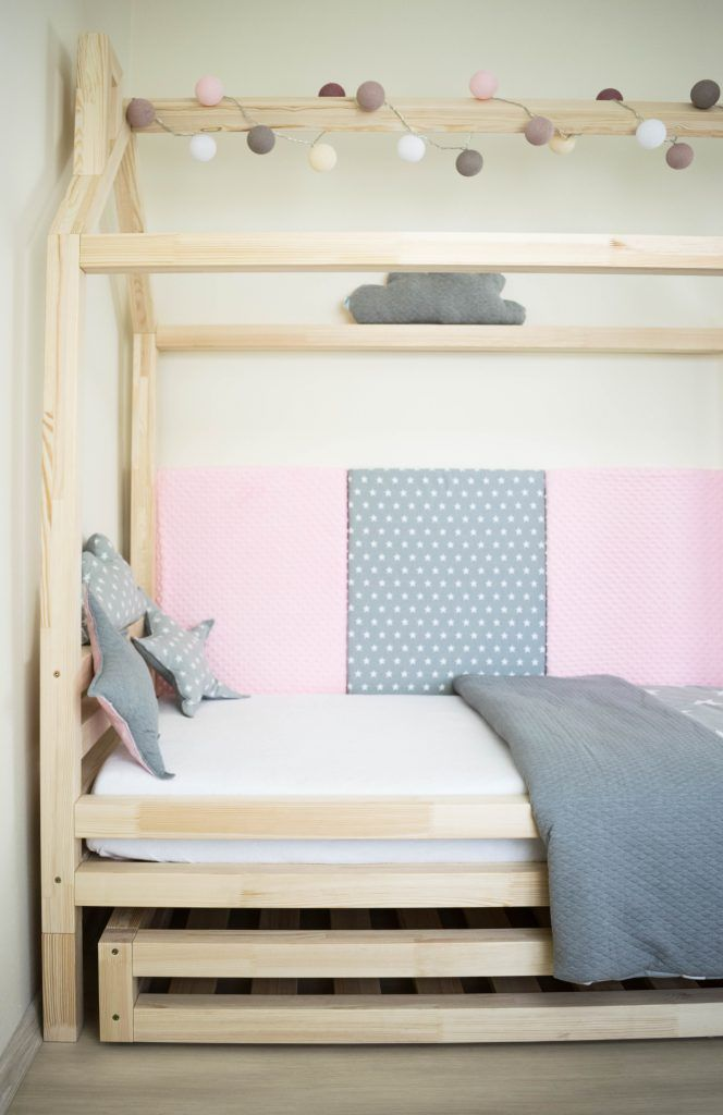 Children´s house bed with the cuddly panels