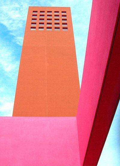 Naranja y fucsia #arquitectura #color #architecture