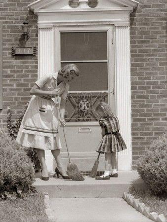 die besten 25 retro hausfrau ideen auf pinterest 50er jahre hausfrau altmodische hausfrau. Black Bedroom Furniture Sets. Home Design Ideas