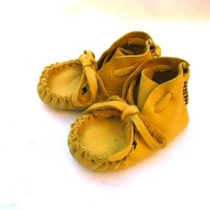 Cutest and SOFTEST infant/toddler mocs for your little hipster (Coachella Fest kid)!