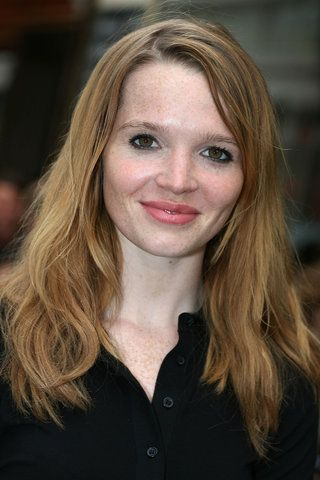 Karoline Herfurth (* 22. Mai 1984 in Ost-Berlin) ist eine deutsche Schauspielerin und Regisseurin.