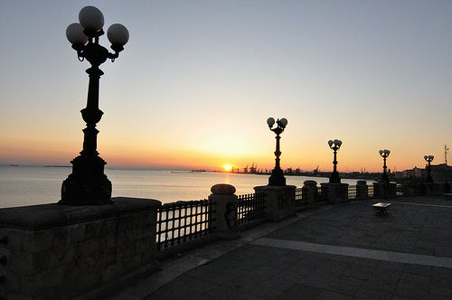 Uuna rotonda sul mare... una Taranto soffusa