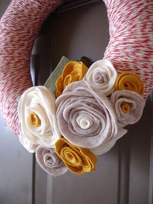 DIY Felt Flowers an bakers twine wreath. One of the cutest I've seen.....might have to recreate :):)