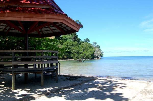 Pantai Mailan Makbon Spot Terbaik Untuk Memancing di Papua Barat - Papua Barat