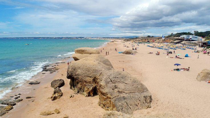 Praia da Galé no concelho de Albufeira no Algarve, Portugal