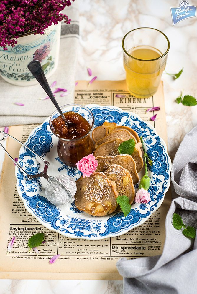 Placuszki gryczane z jabłkami i cynamonem (bez glutenu) z jajkiem