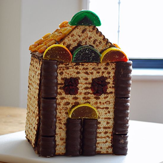 Bring out the builder in your tots this Passover! Though the holiday teaches us that the Jews had to flee their homes, this fun (and mostly edible) craft will have your lil ones building a new kind of shelter for the holiday. While looking for some
