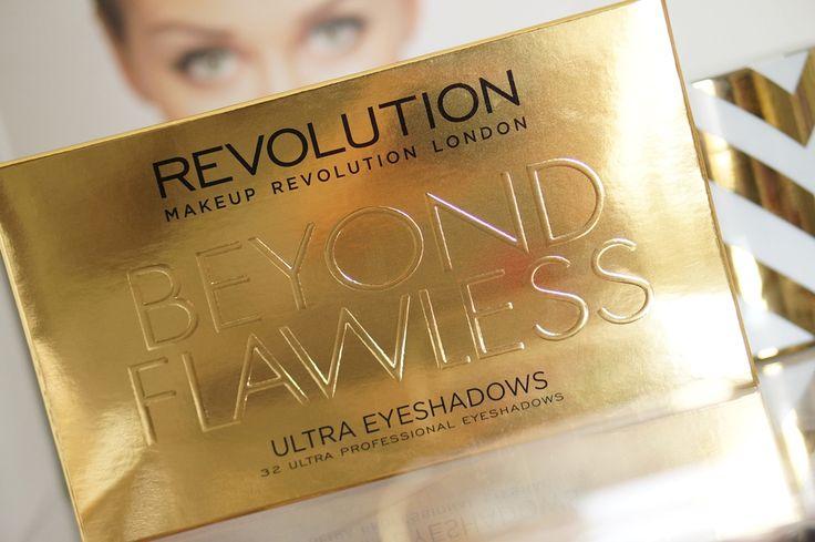 Makeup Revolution BEYOND Flawless Eyeshadow Palette met 32 kleuren oogschaduw. Review, swatches en meer!