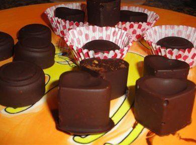 Bombons Cayenne - Bombons Cayenne misturam o sabor amargo do chocolate preto com uma das pimentas mais utilizadas na nossa culinária, a pimenta Cayenne.