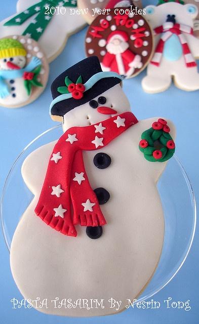 Snowman cookie - adorable!
